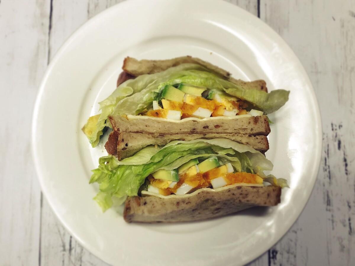 アボカド卵サンドイッチ